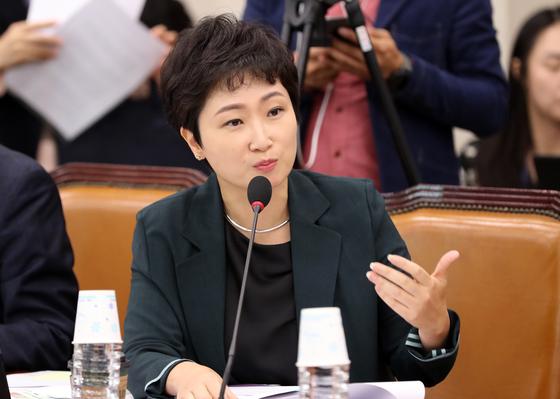 질의하는 이언주 의원 [연합뉴스]