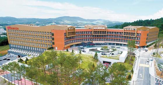 개관이 임박한 라마다 평창 호텔&스위트 사진. 안티에이징 힐링센터를 갖추고 있다.