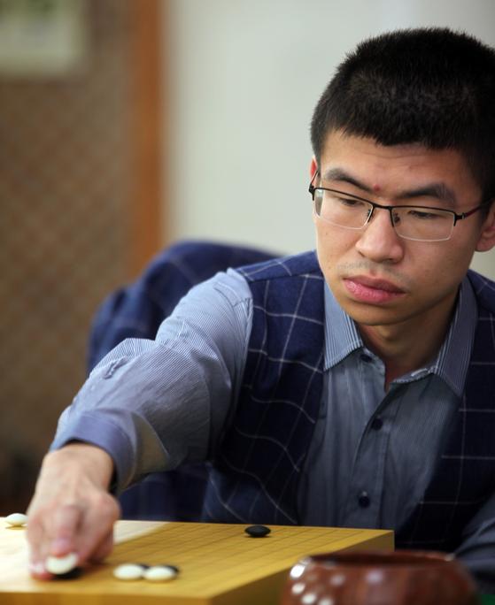 농심배 3연승을 달성한 중국의 판팅위 9단. [사진 사이버오로]