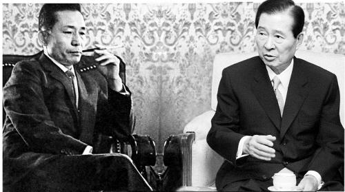 정적이었던 박정희(왼쪽) 전 대통령과 김대중 전 대통령의 가상 대담 이미지. [중앙포토]