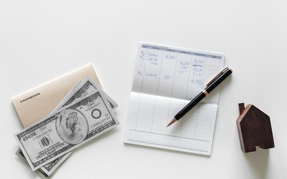 재산이 많으며 상속세 부담이크기 때문에 재산의 일부를 미리미리 증여해 본인의 재산을 줄임으로써 상속세 부담을 줄일 수 있기 때문에 미리 증여하면 절세 효과가 생기는 것이다. [사진 pixabay]