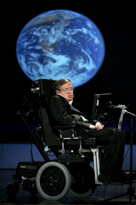 2008년 4월 21일 미국 조지워싱턴대에서 열린 행사에 참가한 호킹 박사. [EPA=연합뉴스]