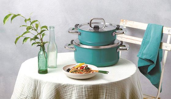 실리트의 '실라간' 소재 냄비는 반영구적으로 사용할 수 있고 요리에 풍미를 더해준다. [사진 디자인하우스]