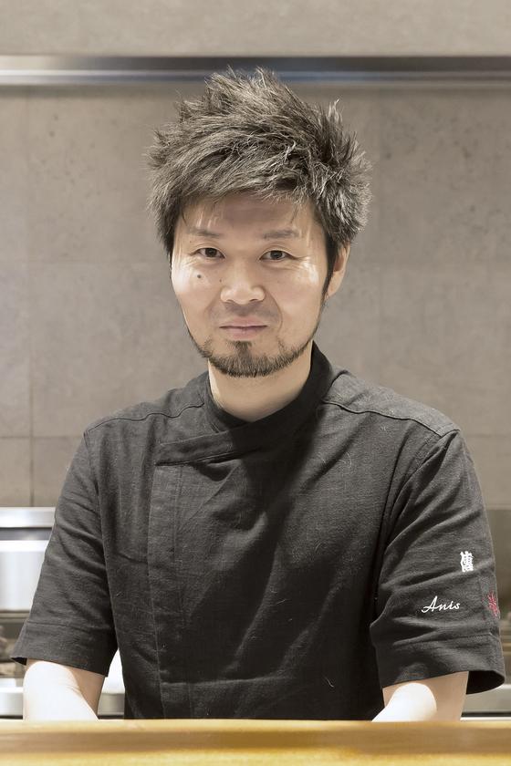 일본 미쉐린 2스타 레스토랑 '덴'의 자이유 하세가와 셰프. [사진 웨스틴조선호텔]