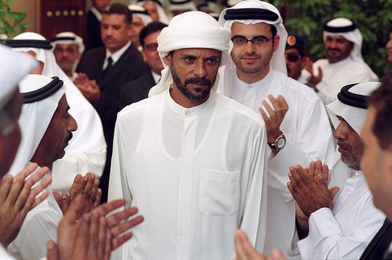 영화 '시리아나' 속 한 장면. 가상의 중동 산유국의 개혁 군주가 되려는 나시르 왕자.