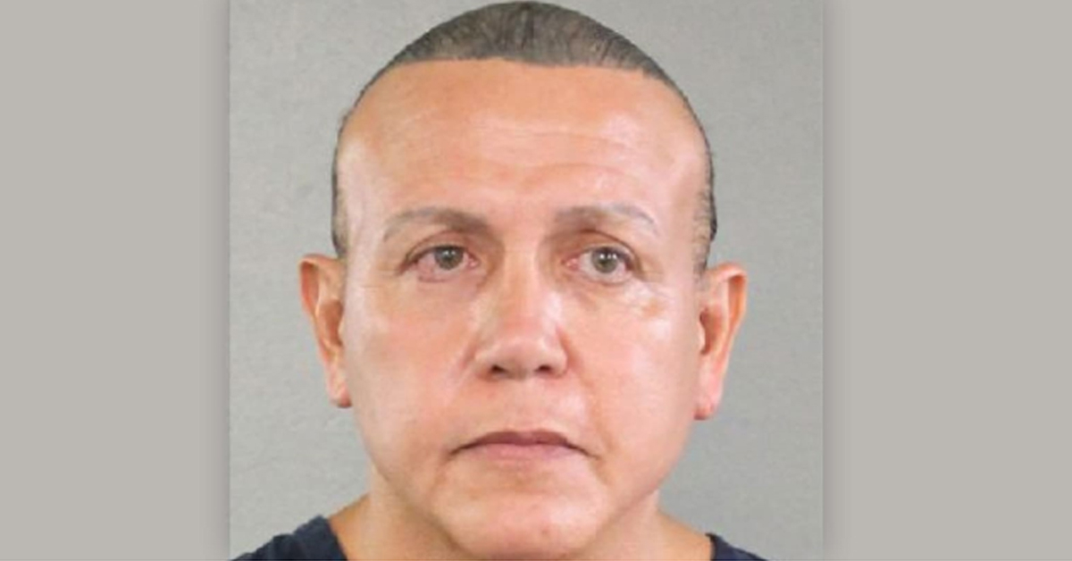 26일(현지시간) '폭발물 소포'와 관련해 체포된 시저 세이약의 모습. AP통신에 따르면 그는 공화당원이며, 절도와 마약, 사기를 비롯해 폭발물 불법 소지 등 다수의 범죄 이력이 있다. [AP=연합뉴스]