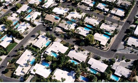 미국 캘리포니아에서는 지붕이나 도로를 하얗게 칠해 태양빛을 더 많이 반사하려는 시도가 이어지고 있다. [중앙포토]
