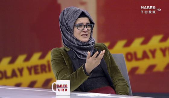 26일 터키 방송 하베르 튀르크와 인터뷰하는 자말 카슈끄지의 약혼녀 하티제 젠기즈. [AP=연합뉴스]
