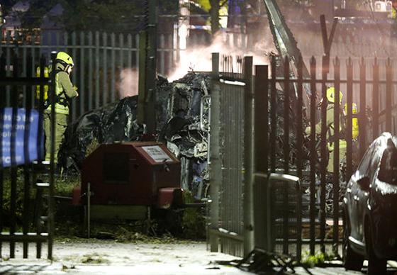 레스터시티의 스리바다나프라바 구단주가 탑승한 헬리콥터의 추락 사고 현장. [로이터=연합뉴스]