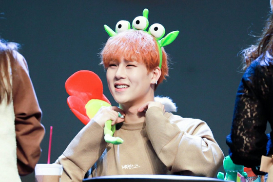 MONSTA X JOOHEON Argues With Fans Over Buying Food