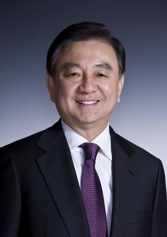 사임의 뜻을 밝힌 홍석현 한국기원 총재 [사진 중앙포토]