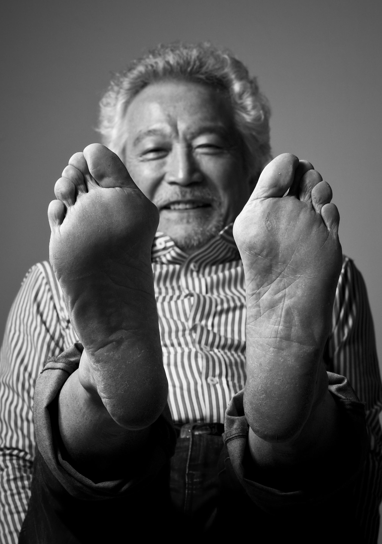 2011년 10월 31일 '청춘은 맨발이다' 출간을 앞두고 중앙일보와 인터뷰 할 때의 장면. 권혁재 사진전문기자