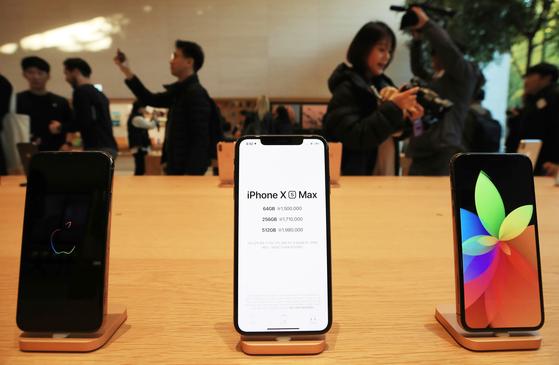 전작 대비 개통량 70%…시들해진 아이폰 신제품 인기