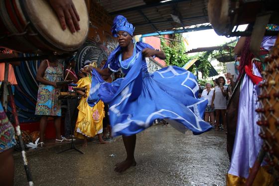아프리칸 노예의 애환과 혼이 담긴 전통춤 룸바. [사진 김춘애]