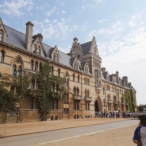 옥스퍼드 대학교 건물이기도 한 크라이스트처치 성당.