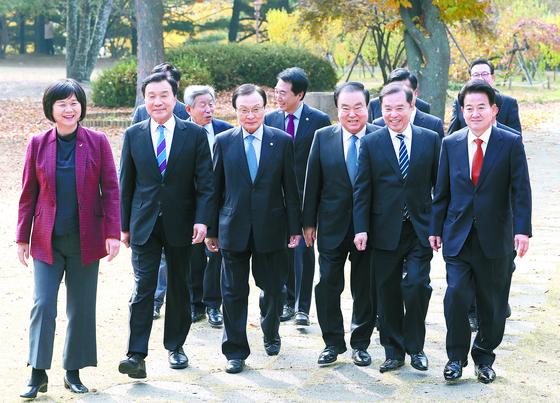 여야 5당 대표는 국회의장과 회동