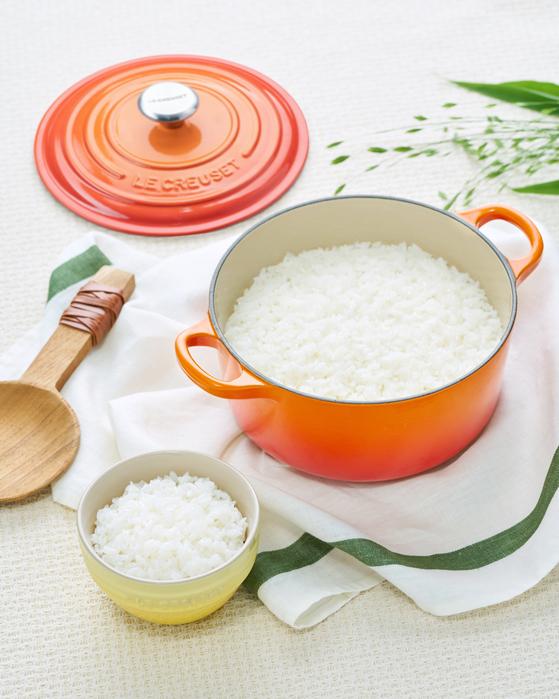 집에서 솥밥을 지을 땐 주물냄비를 활용하면 편리하다. [사진 르크루제]