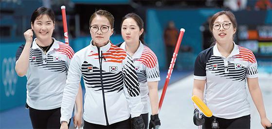 평창올림픽 여자컬링대표팀로 출전했던 김초희·김은정·김경애·김선영. [연합뉴스]