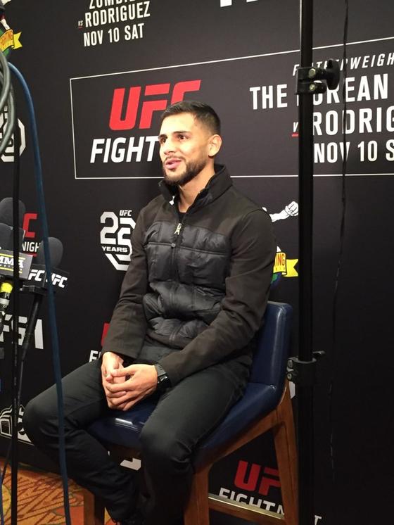 9일 미디어데이 행사에서 각오를 밝히고 있는 야이르 로드리게스. [UFC 공동취재단]