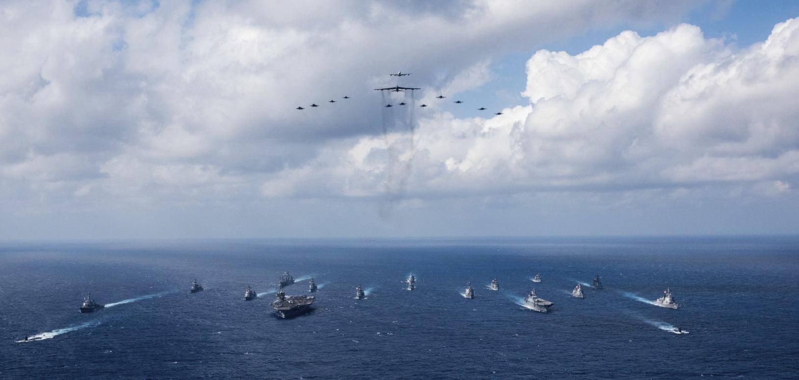 미국 인도태평양사령부는 필리핀해 인근에서 진행 중인 미일 연합훈련 '킨 소드'의 사진을 지난 9일 트위터를 통해 공개했다. [사진 미국 인도태평양사령부 트위터]