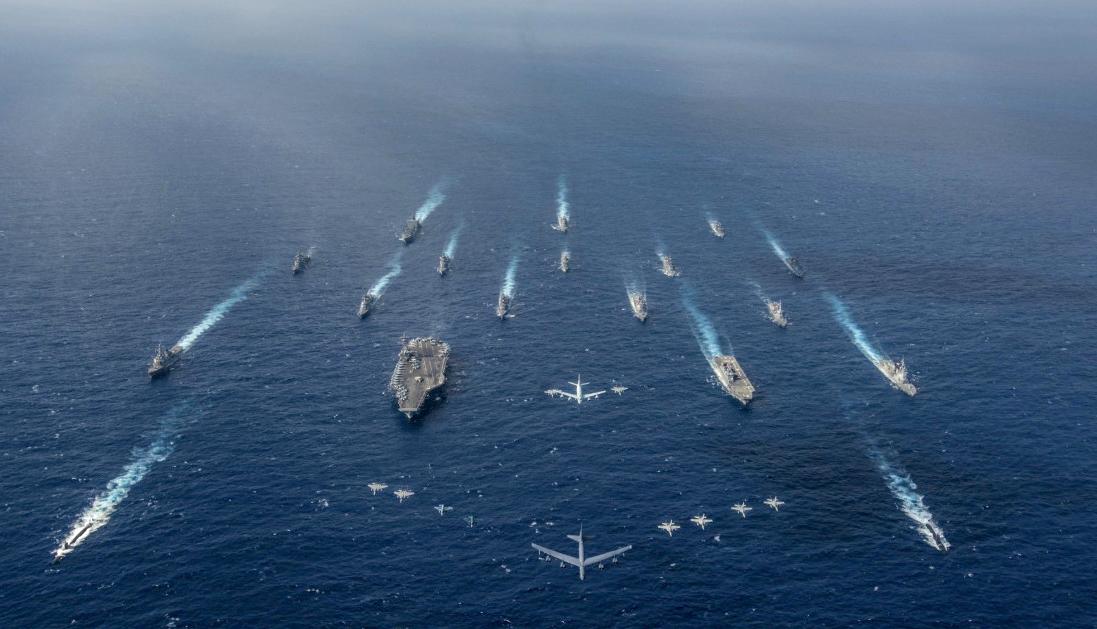 미국 인도태평양사령부는 필리핀해 인근에서 진행 중인 미일 연합훈련 '킨 소드'의 사진을 9일 트위터를 통해 공개했다. [사진 미국 인도태평양사령부 트위터]