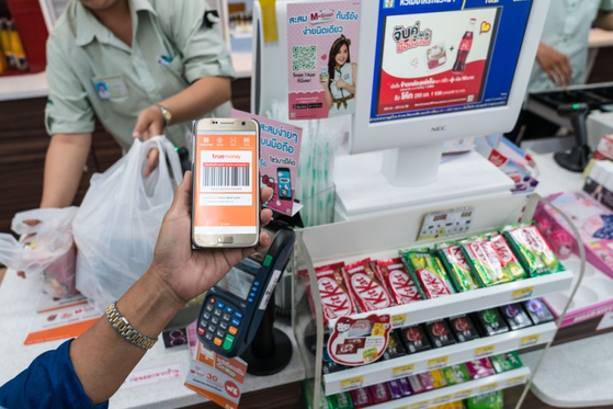 태국의 알리페이 같은 존재 트루머니. 하지만 이용자의 50%가 은행카드가 없는 10대 학생들이다. [사진 셔터스톡]