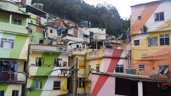 리우의 파벨라(빈민가) '산타마르타'의 모습 [중앙포토]