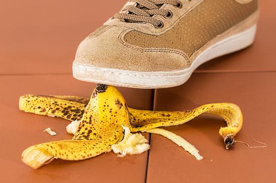 시니어도 가끔 실수하는 경우가 있다. 그러나 시니어의 실수는 만회가 힘들기 때문에 가급적 실수를 하지 않도록 해야 한다. 욕심을 버리고 잘못 판단하는 일을 줄이도록 해야한다. [사진 pixabay]