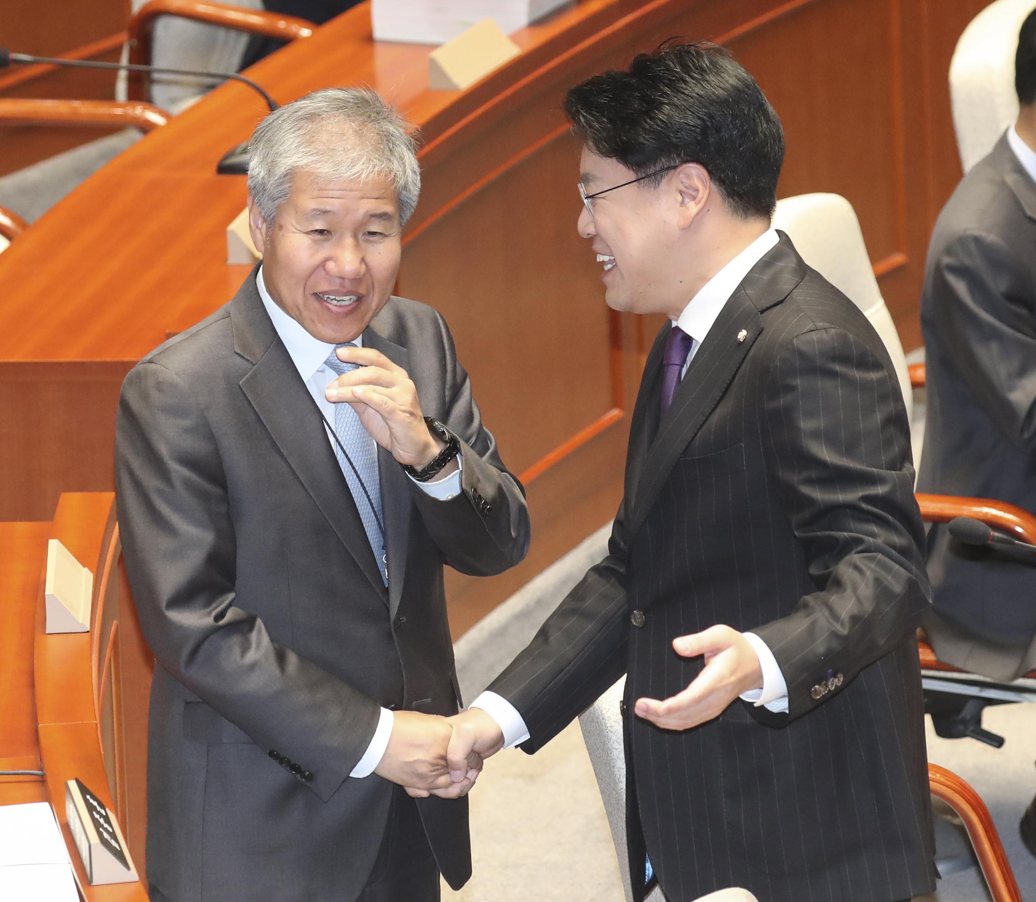 김수현, 예결위 소위 참석하라는 한국당 요구 거부