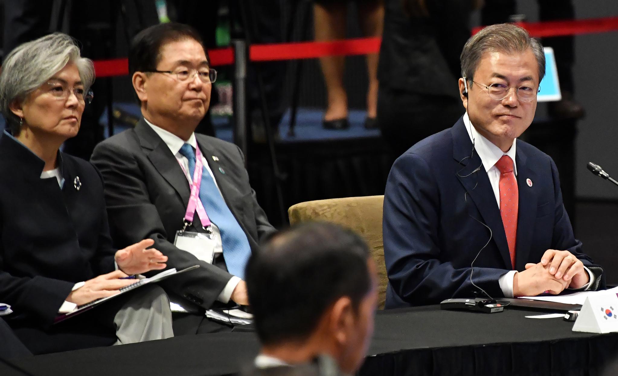 내년 한·아세안회의 韓개최···文 김정은 초청 적극 검토