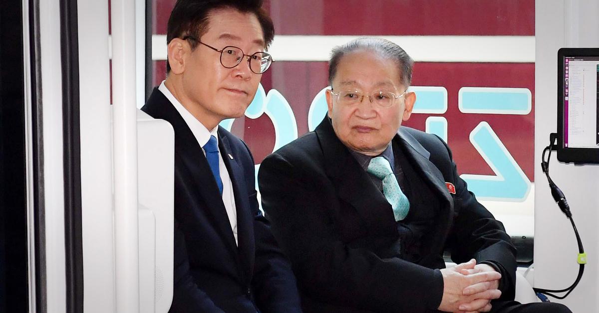 """시범 운행 자율차 시승한 北이종혁 """"실험동물 된 셈"""" 농담"""