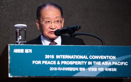 반대 시위 속…남·북, 아태지역 평화 번영 위해 머리 맞댔다