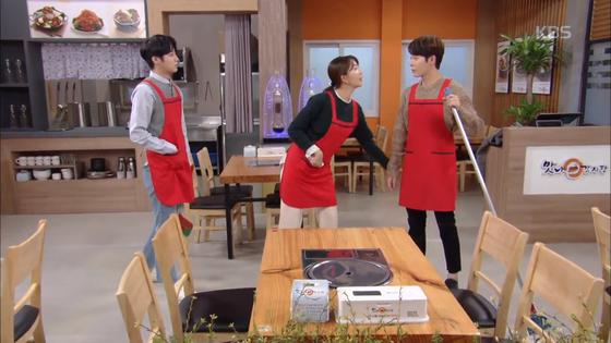 """KBS2 일일드라마 '끝까지 사랑'. 남자 엉덩이를 아무렇지 않게 만지며 """"그럼 뭐 미투라고 하라""""며 형편 없는 젠더 감수성을 보여준다. [사진 KBS]"""