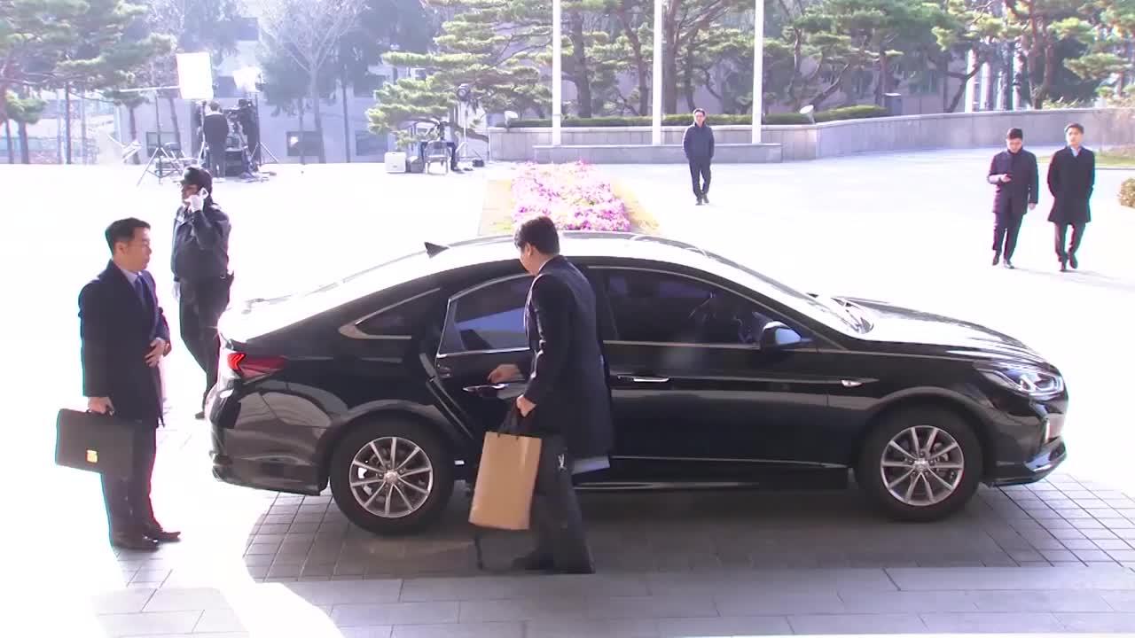 전ㆍ현직 대법관 중 첫 포토라인 선 박병대 사심 없이 일했다