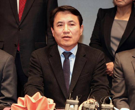 """김진태 """"법관 탄핵하라는 정치판사들 탄핵해야"""""""