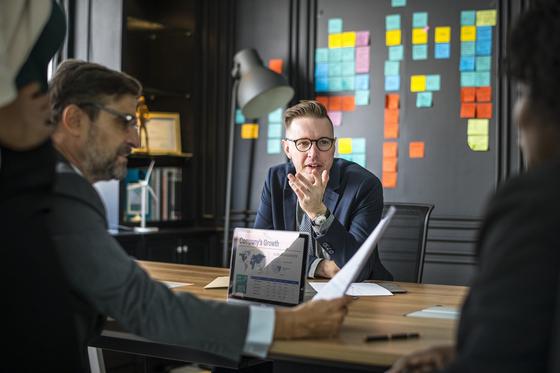실제 성공한 세일즈맨은 '내성적'이거나 감성을 보유하고 있고, '상대방의 입장'을 생각하고 표현하는 데 집중한다. 이러한 능력을 '눈치가 있다' 고 표현한다. [사진 pixabay]