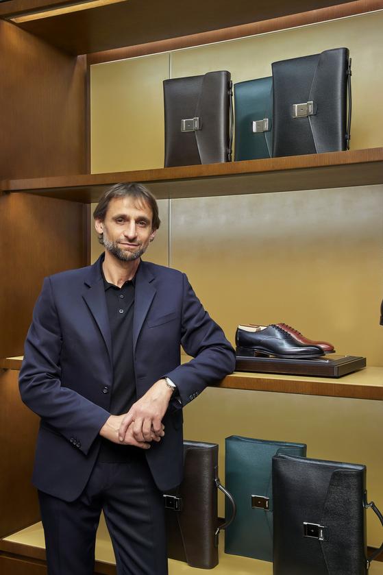 '처치스'의 CEO 앤서니 로마노.