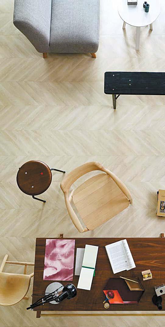 LG하우시스와 지엔느가 함께 개발한 헤링본 무늬의 '자연애 스페셜 바닥재'.