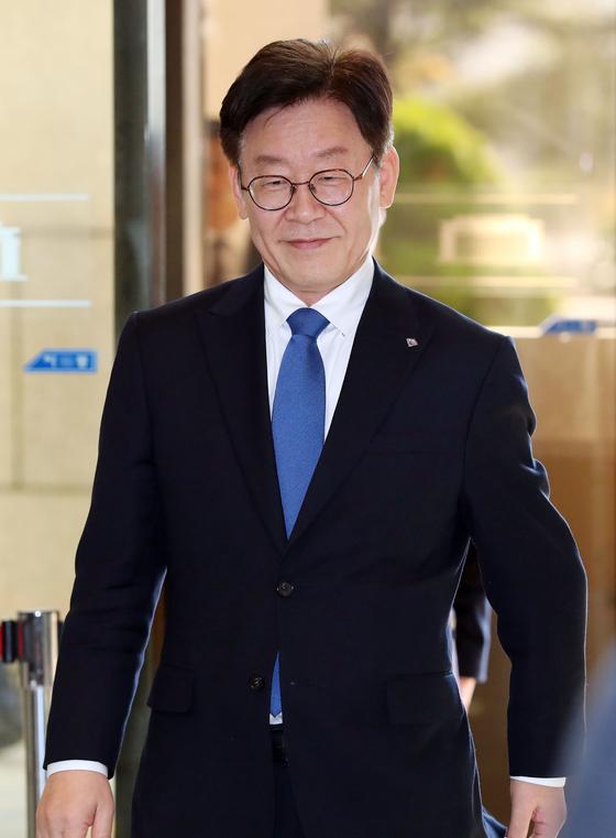 """이재명, '혜경궁 김씨' 질문에 """"삼바에 관심을…""""동문서답"""
