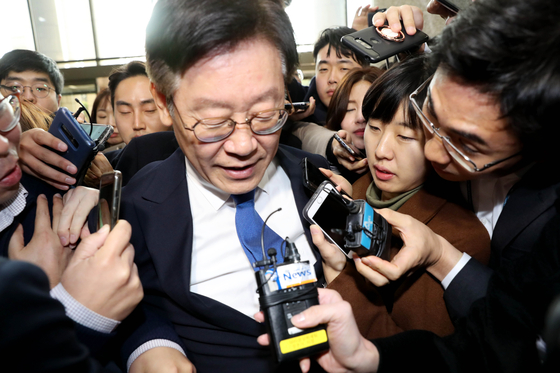 박원순만 때리는 한국당···이재명 대권 어렵다 본듯