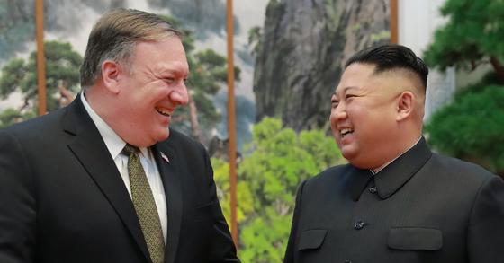 마이크 폼페이오 미 국무장관과 김정은 북한 국무위원장. [사진 트럼프 대통령 트위터 캡처]