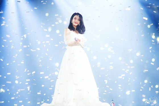 IU Disney Princess? The Dress That Covered the Stage