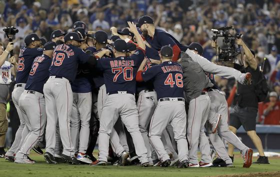 LA 다저스를 물리치고 월드시리즈 정상에 오른 보스턴 레드삭스. [AP=연합뉴스]