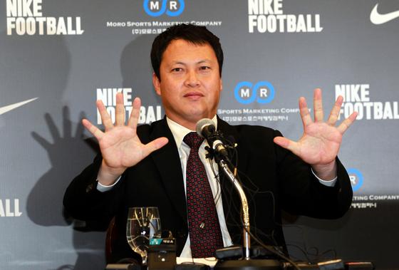 이운재 수원 GK코치가 중국 25세 이하 대표팀 상비군 코치로 새출발한다. [중앙포토]