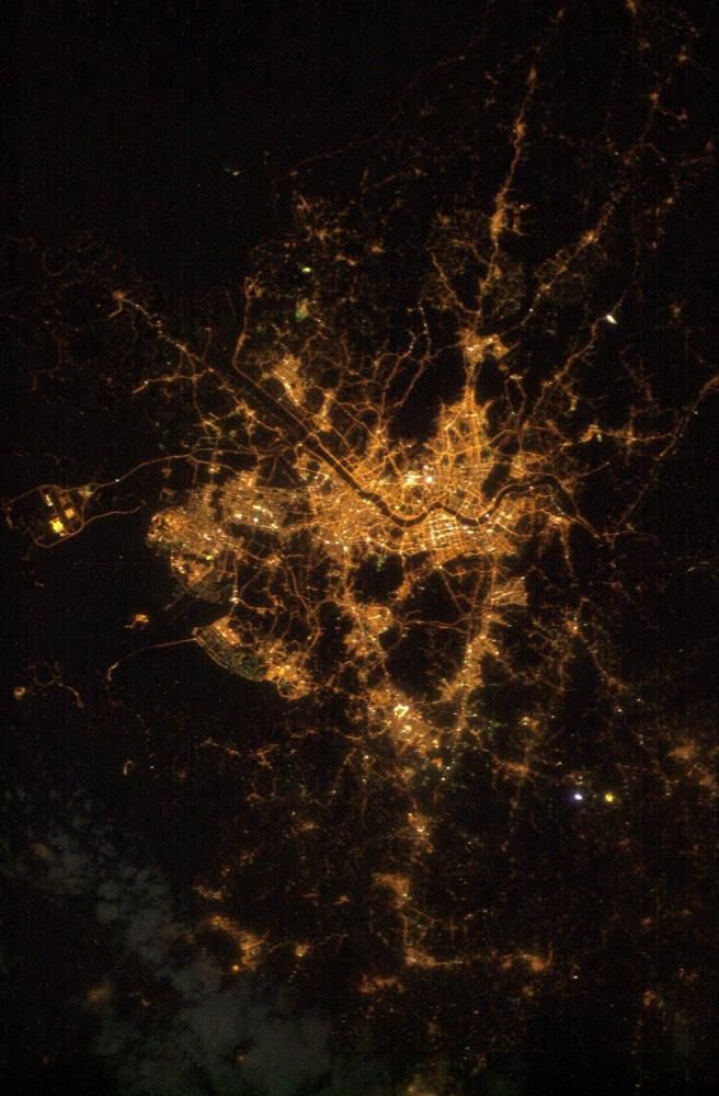 인공위성에서 내려다 본 서울의 밤 [사진 NASA]