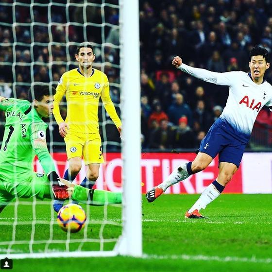 토트넘 공격수 손흥민이 25일 첼시전에서 50m 드리블 돌파 후 엄청난 골을 터트렸다. [토트넘 인스타그램]