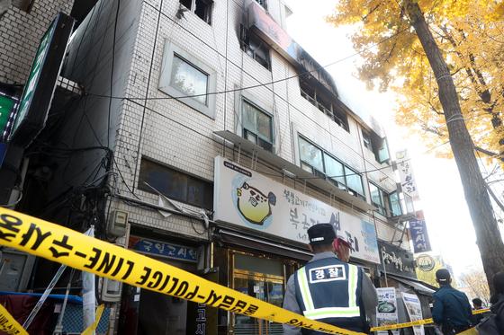 지난 9일 새벽 서울 종로구 관수동 국일고시원에 화재가 발생해 7명의 사망자가 발생했다. 최정동 기자