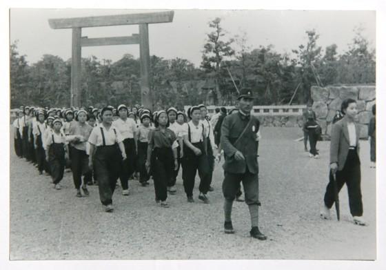 일본 미쓰비시중공업의 나고야항공기제작소에 간 근로정신대 피해 소녀들. [사진 근로정신대 할머니와 함께 하는 시민모임]