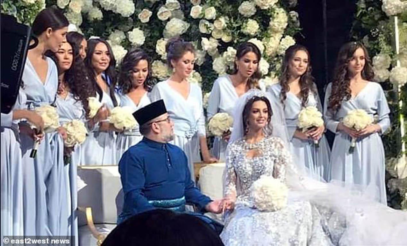 말레이시아의 술탄 무하마드 5세 국왕이 24살 연하의 2015년 미스 모스크바 출신의 모델 옥사나 보예보디나(25)와 결혼한 것으로 알려졌다. [사진 유튜브 캡쳐]