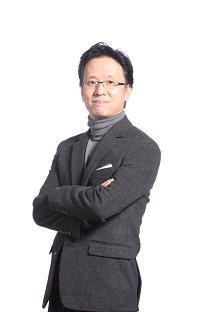 내년 출범하는 온라인 통합법인 대표이사로 내정된 최우정 e커머스 총괄 부사장. [사진 신세계]